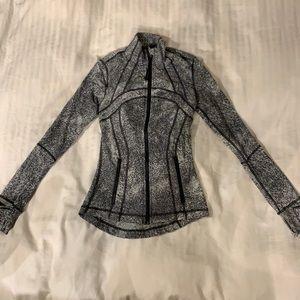 Lululemon Define jacket. Grey/Black. Size 2